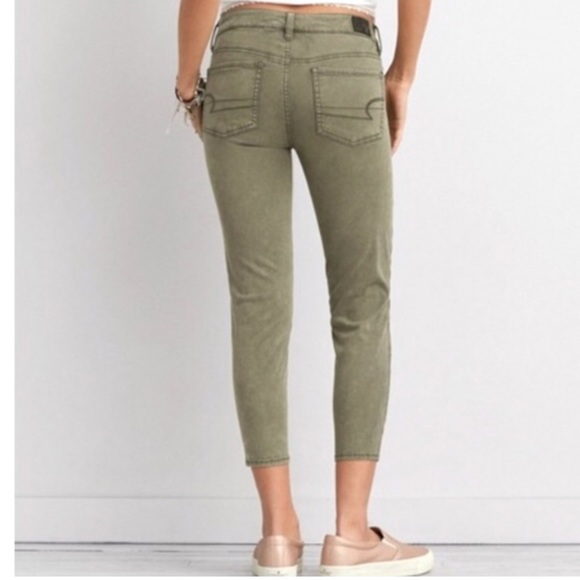 3581d72ddc783 American Eagle Outfitters Denim - American Eagle Army Green Jegging Crop  size 4